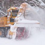 赤いりぼんの前の県道は何度も除雪車が走り、ちゃんと通れます。