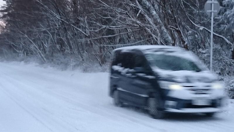タイヤ 雪 道 ノーマル 雪道をノーマルタイヤで走ってみました。