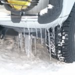 車のフロントガラス・窓・ドアの凍結について