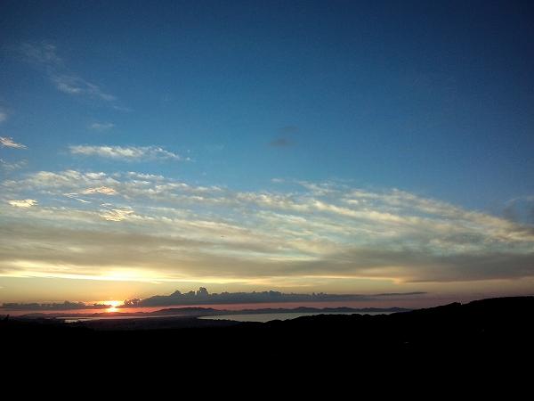大山からみた夕日