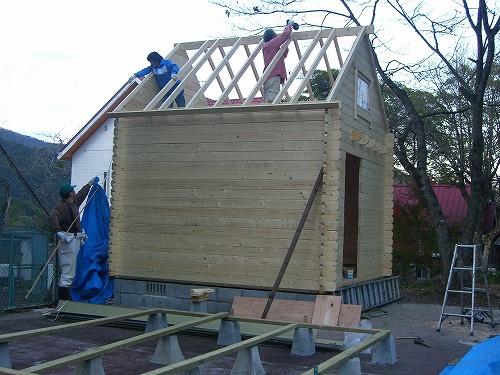 ミニログ・屋根の組み立て