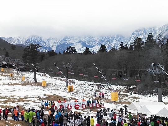 雪の無いスキー場開き