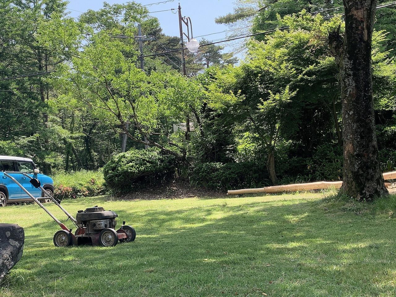 芝刈り・庭の芝